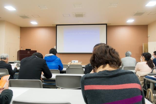 長野法人会の経営実務研修会の講師を務めました。
